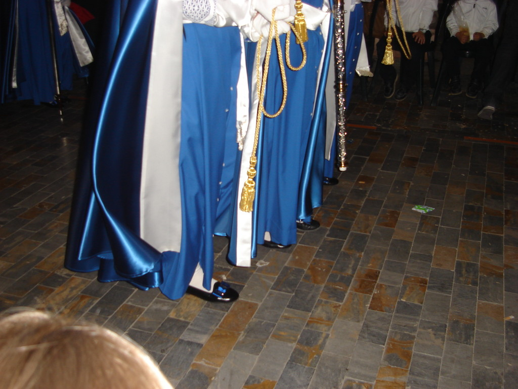 Semana Santa shoes with a bow in matching colours