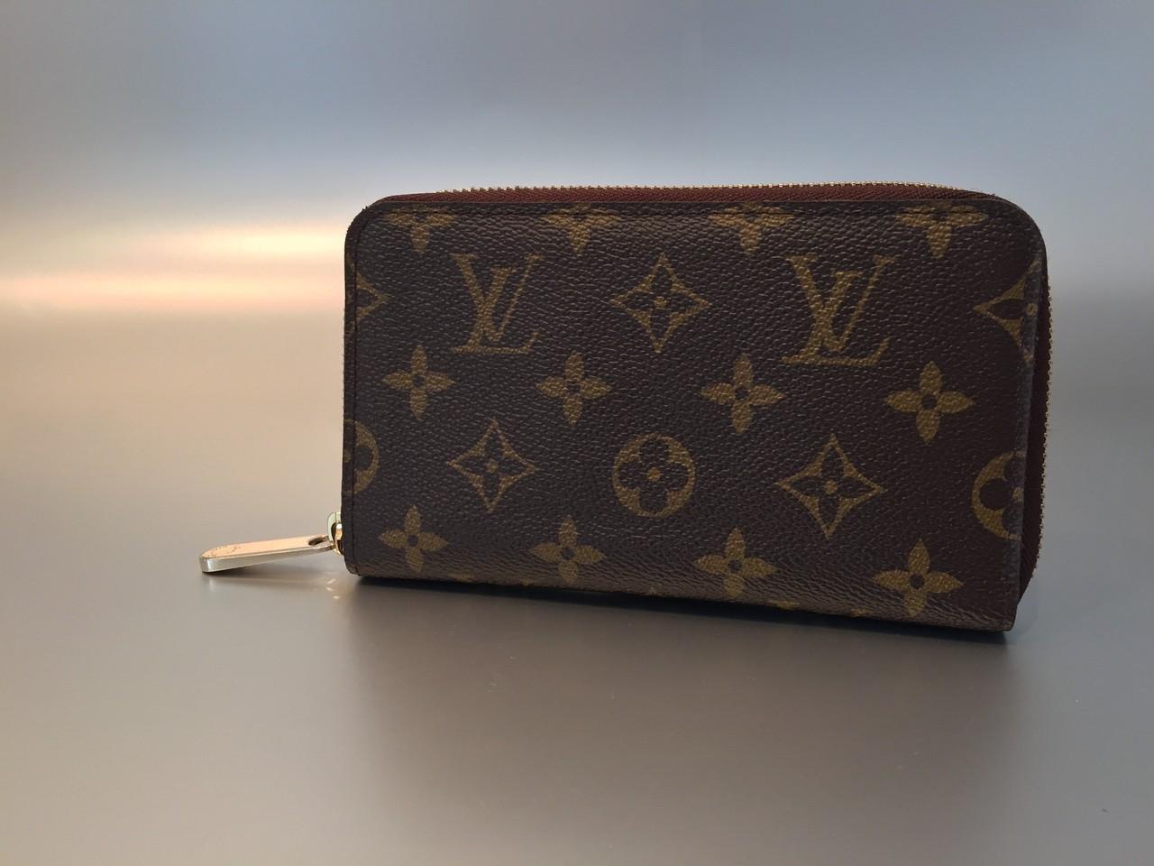 13b3b40103 Louis Vuitton Monogram Canvas Compact Zippy Geldbörse