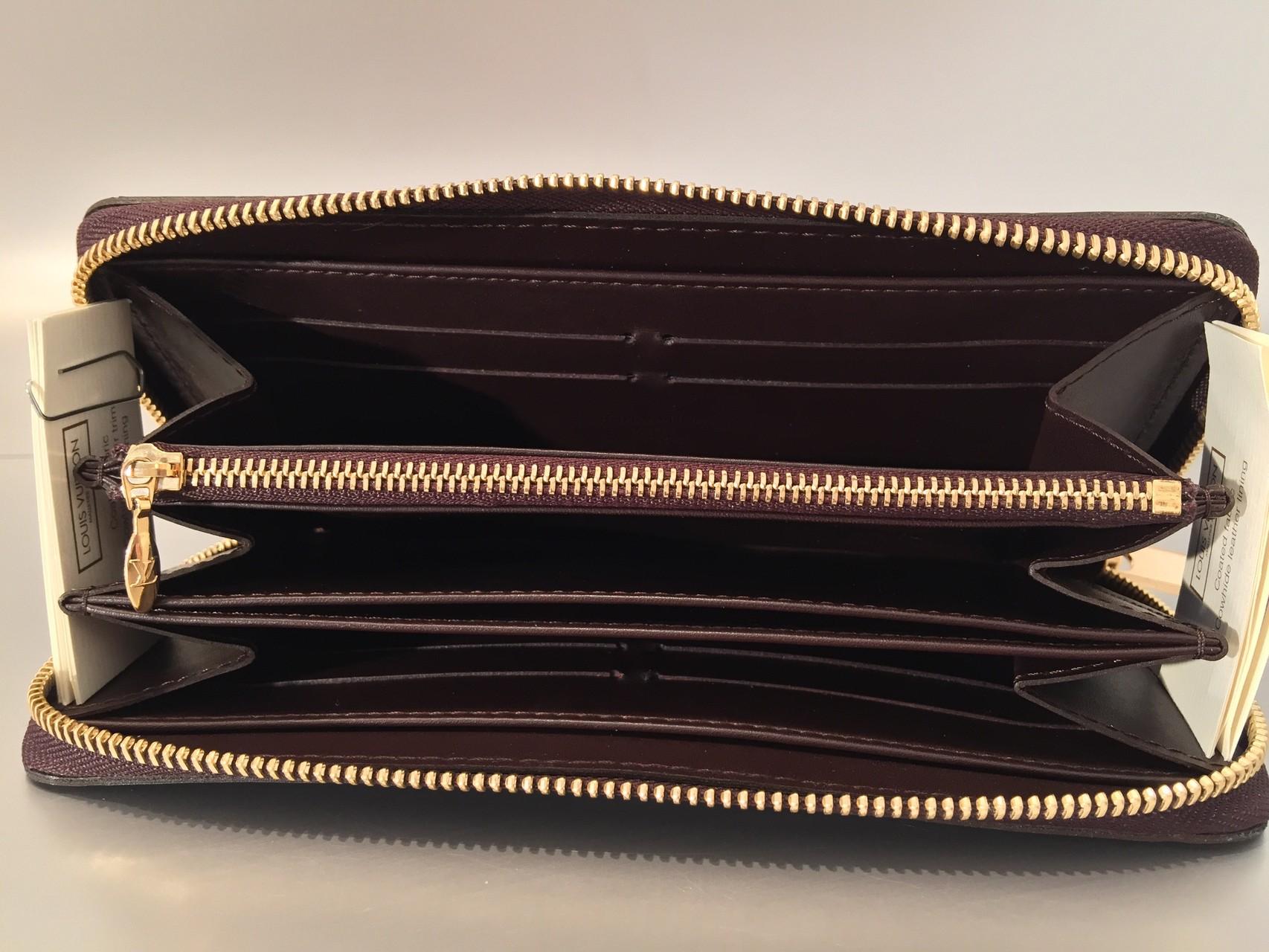 308dc2b91f Louis Vuitton Monogram Vernis Zippy Geldbörse in Amarante