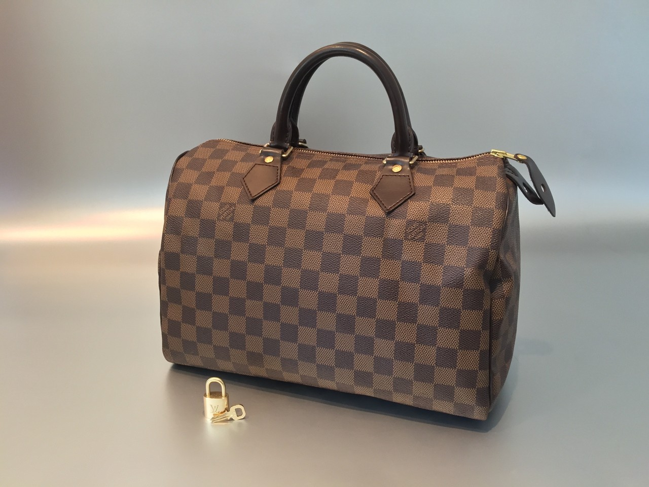 louis vuitton damier ebene speedy 30 ankauf verkauf second hand designertaschen und accessoires. Black Bedroom Furniture Sets. Home Design Ideas