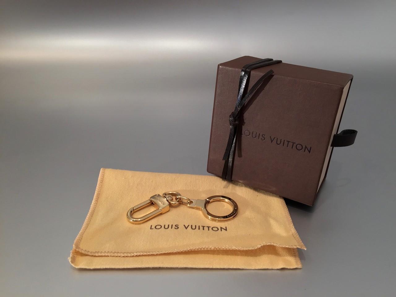 louis vuitton bolt schl sselanh nger in gold ankauf verkauf second hand designertaschen und. Black Bedroom Furniture Sets. Home Design Ideas