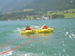 Mit Speed über den See