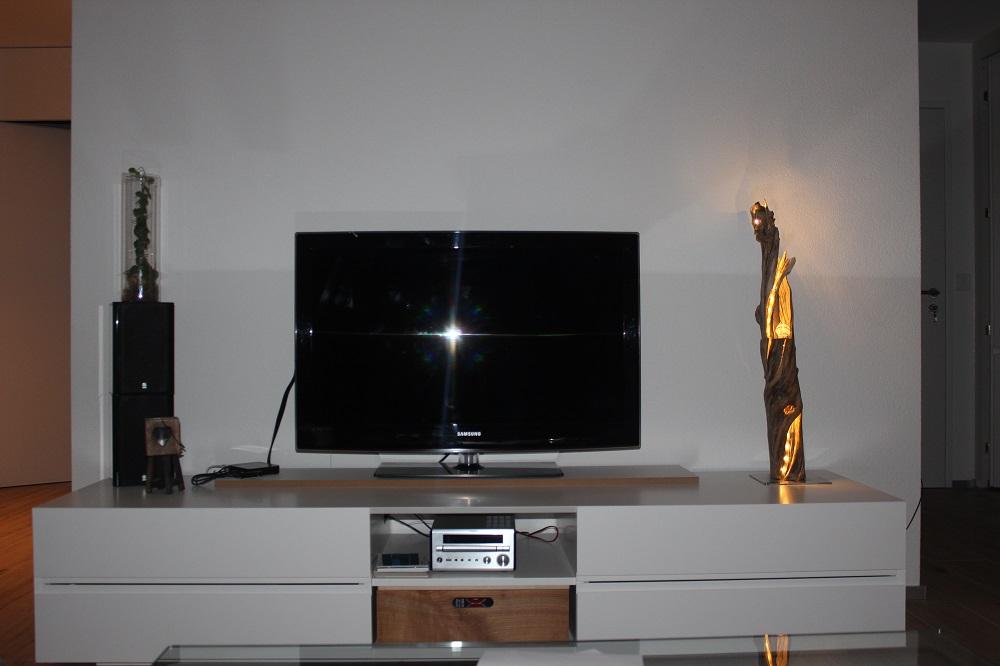 Schwemmholzlampe im Wohnbereich