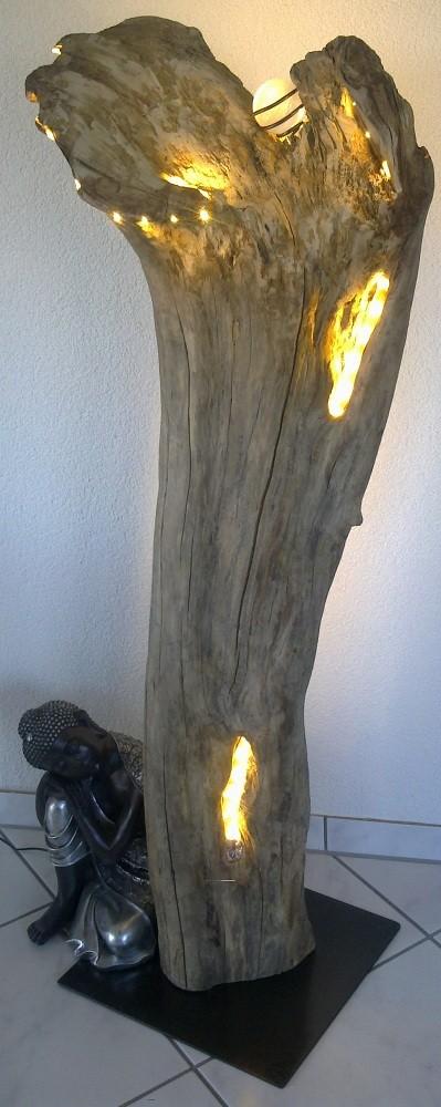 Schwemmholz-Lampe-Lilie