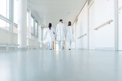 Klinikentlassung -Bild von Kzenon auf stock.adobe.com