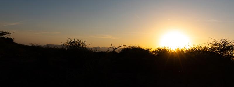Coucher de soleil aux abords du Doho lodge.