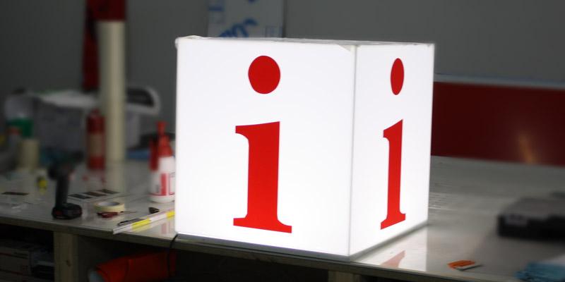 Info Würfel Leuchtwürfel Leuchtkasten StyleWerk Werbetechnik LED