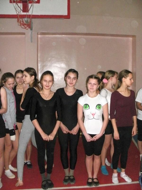 Мои гимнастки - крупным планом:)