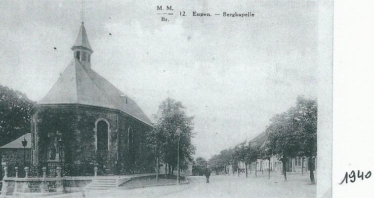 Der Platz vor der Bergkapelle um 1940