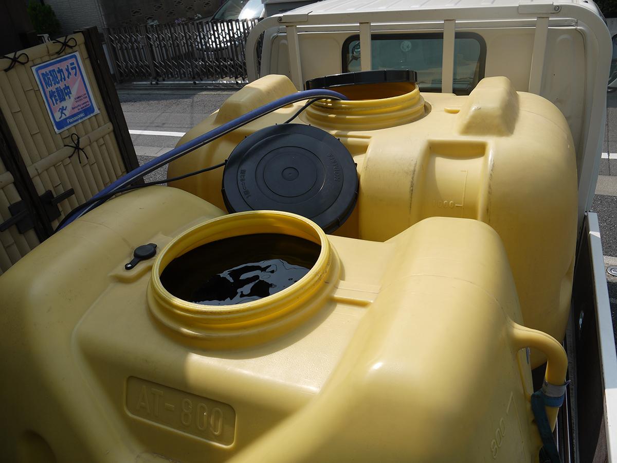 毎週水・土に運ばれてくる天然温泉黒湯