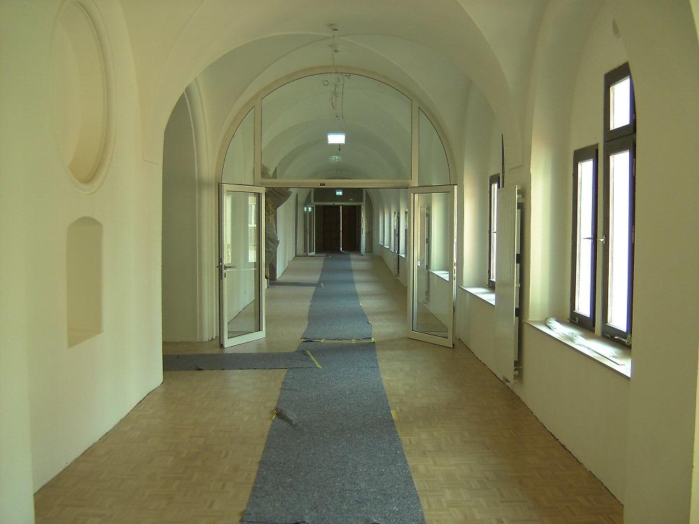 oberer Kreuzgang - Blick zum ehem. Konventzimmer