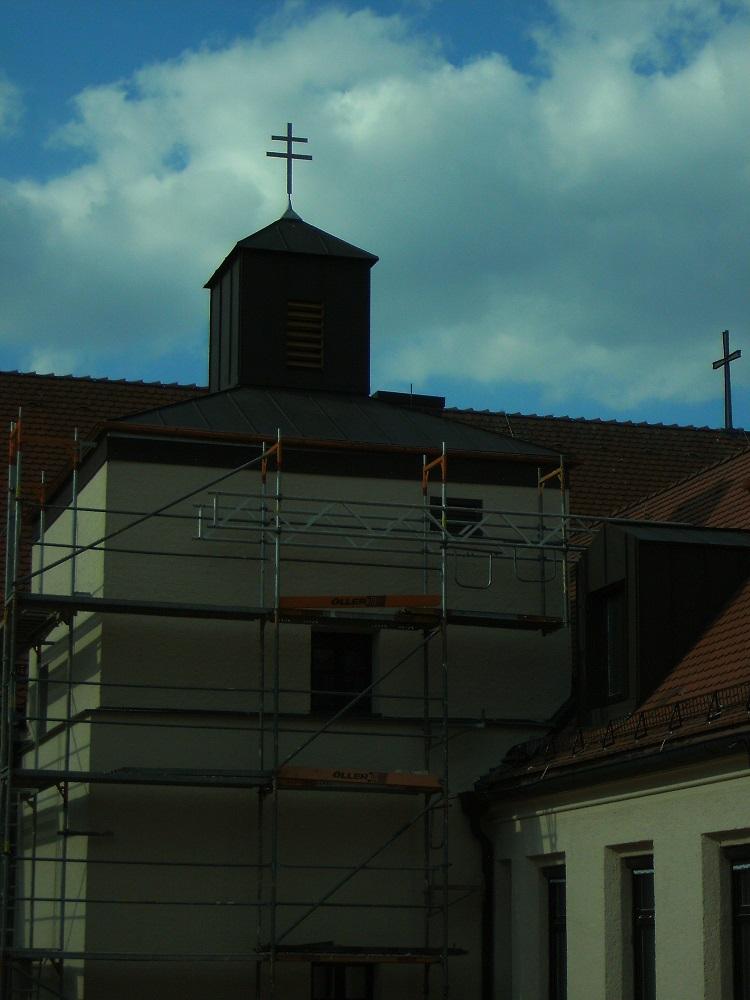 Klanglamellen am Glockentürmchen sichtbar