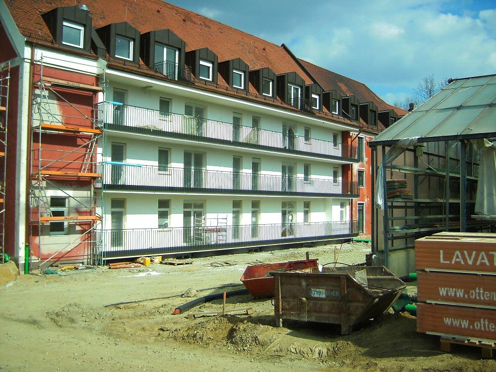 Grundierung Südseite 70er-Bau