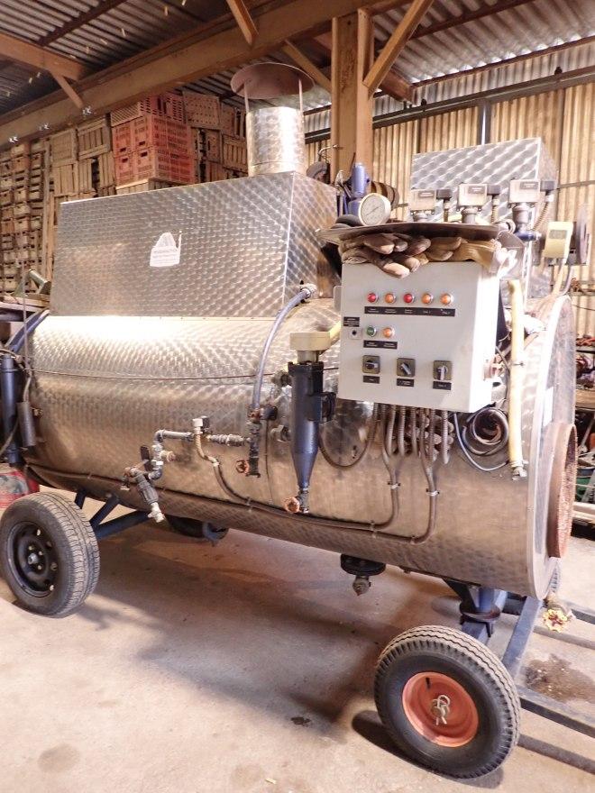 """Heißdampferzeuger (""""Dämpfe"""") vorallem für die Herbizidfreie Unkraut bekämpfung"""