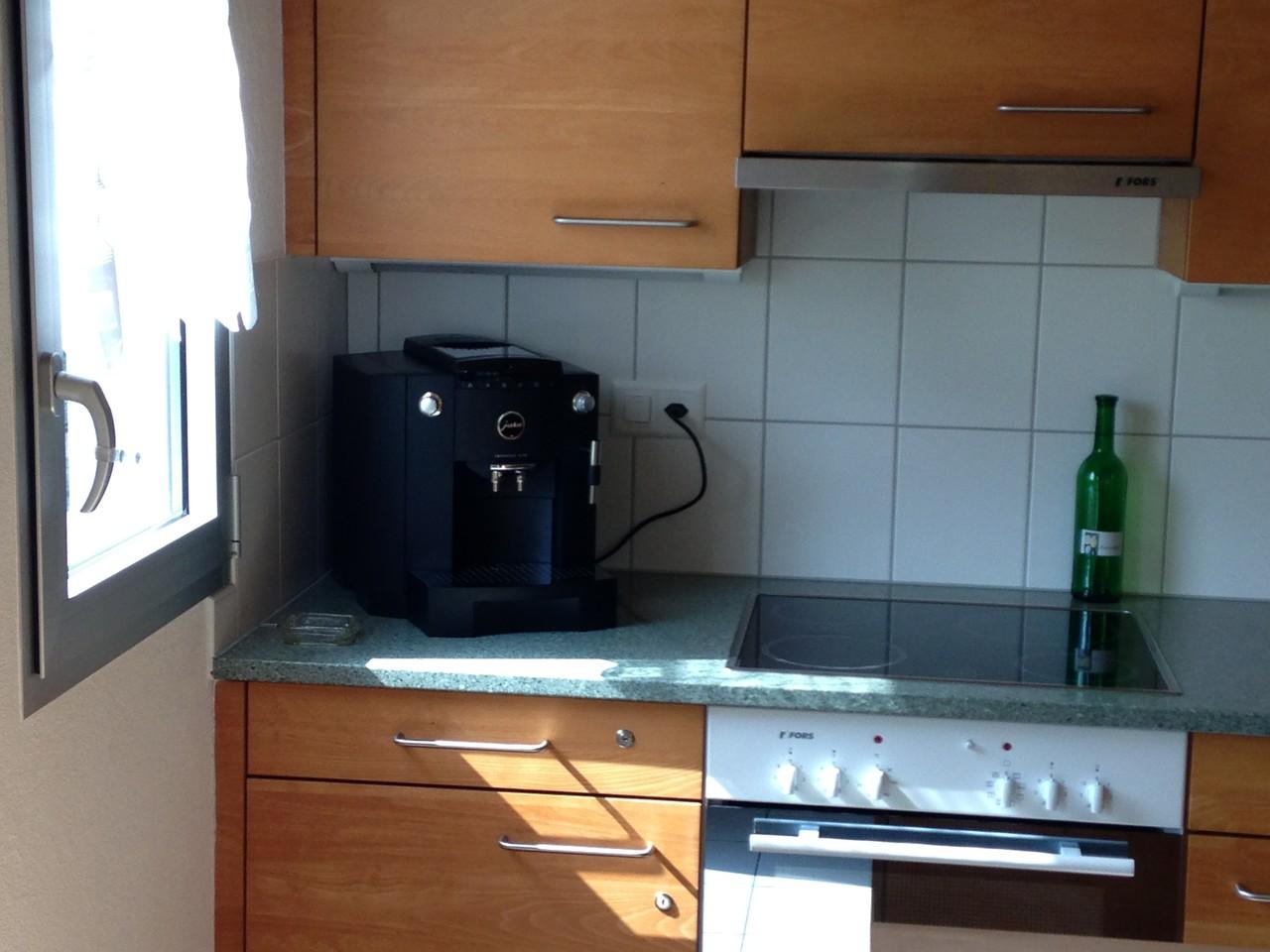 auf Wunsch: JURA-Kaffee-Vollautomat