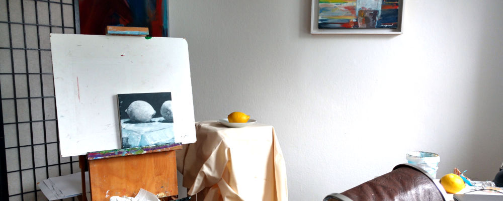 Atelierszene, webinar und eBook, Zitrone, schwarz und weiß
