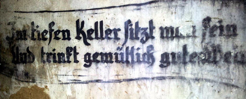 Berzdorfer Kretscham - Im tiefen Keller sitzt man fein und trinkt gemütlich guten Wein