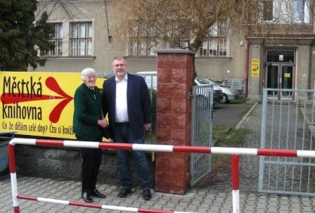 Liese Bergmann und der Bürgermeister der Stadt Frýdlant, Ing. Dan Ramzer