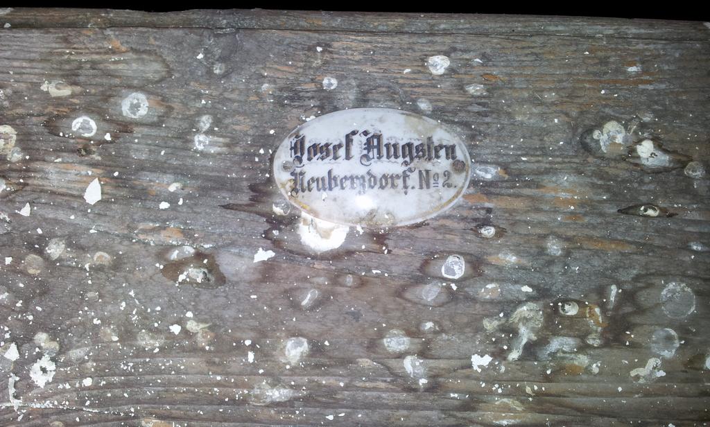 Namensschild in der Kirche in Berzdorf 2