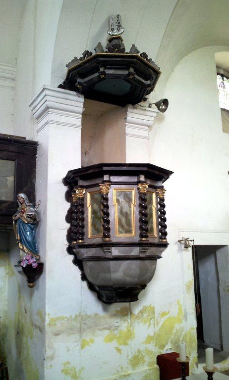 Kirchenkanzel in der Kirche in Berzdorf