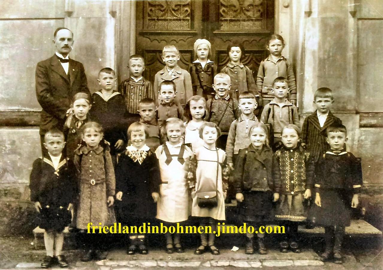 Weigsdorf 1935 - Einschulung 1. Klasse