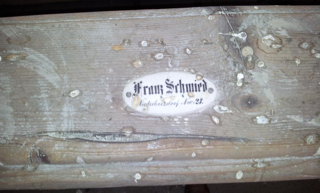 Namensschild in der Kirche in Berzdorf 6