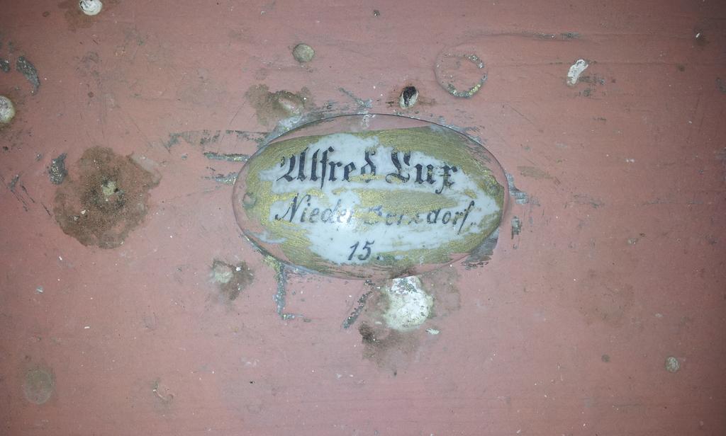 Namensschild in der Kirche in Berzdorf 4
