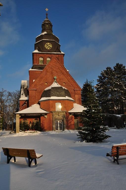 Die Stiftskirche im Schnee