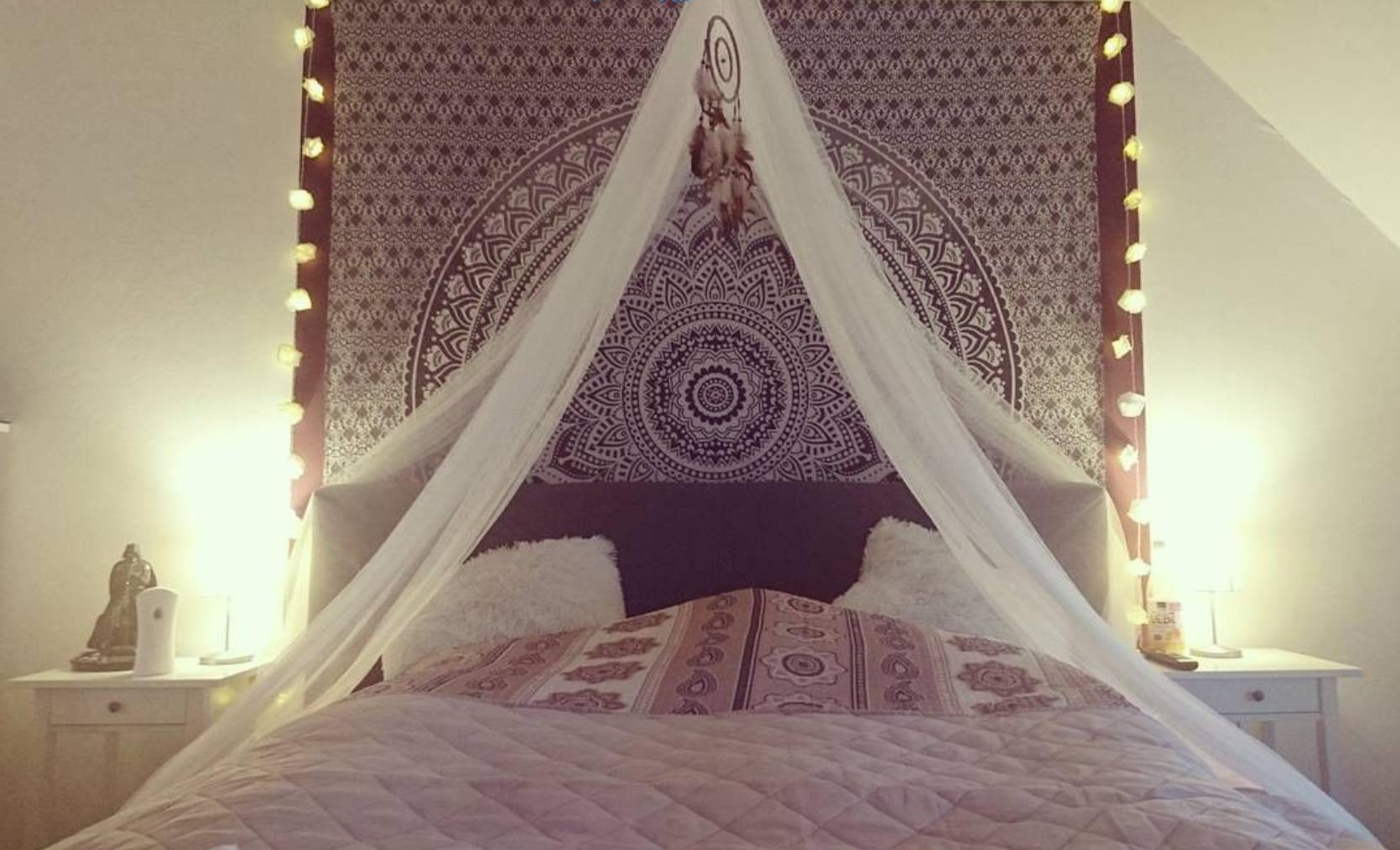 Zentrales Mandala Wandtuch mit Hintergrund Beleuchtung