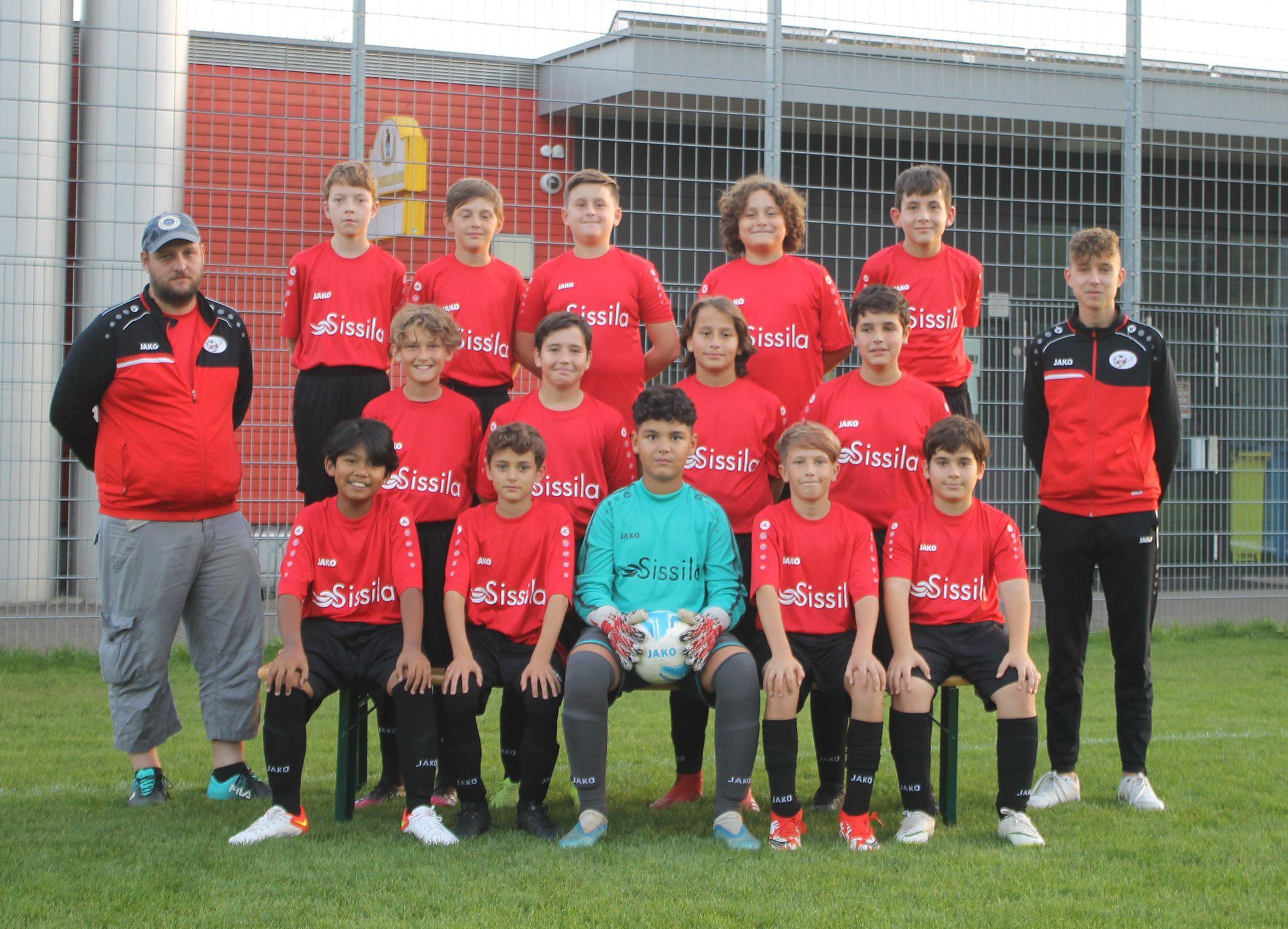 Mannschaftsfoto Junioren D Schwarz mit Sponsor Hallenbad Sissilia, Sisseln 2021/2022