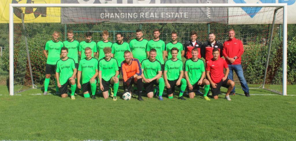 Mannschaftsfoto 1te Mannschaft 3. Liga, mit Auswärtssponsor Quali Night AG Saison 2020/2021
