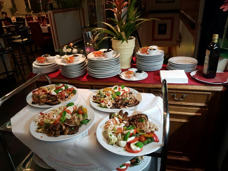 Feste feiern a la carte, mit Buffet oder Catering außer Haus