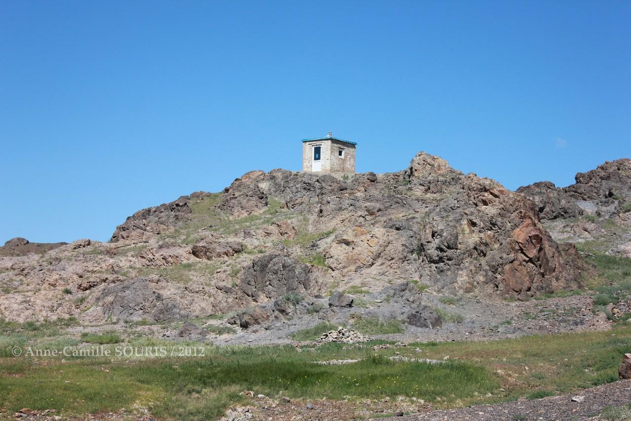 Ulgii Khiid - petit abri pour les prières dédiées à la nature - construit en septembre 2010