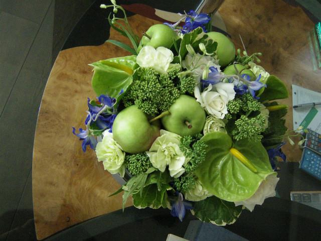 個人宅卓上 装花