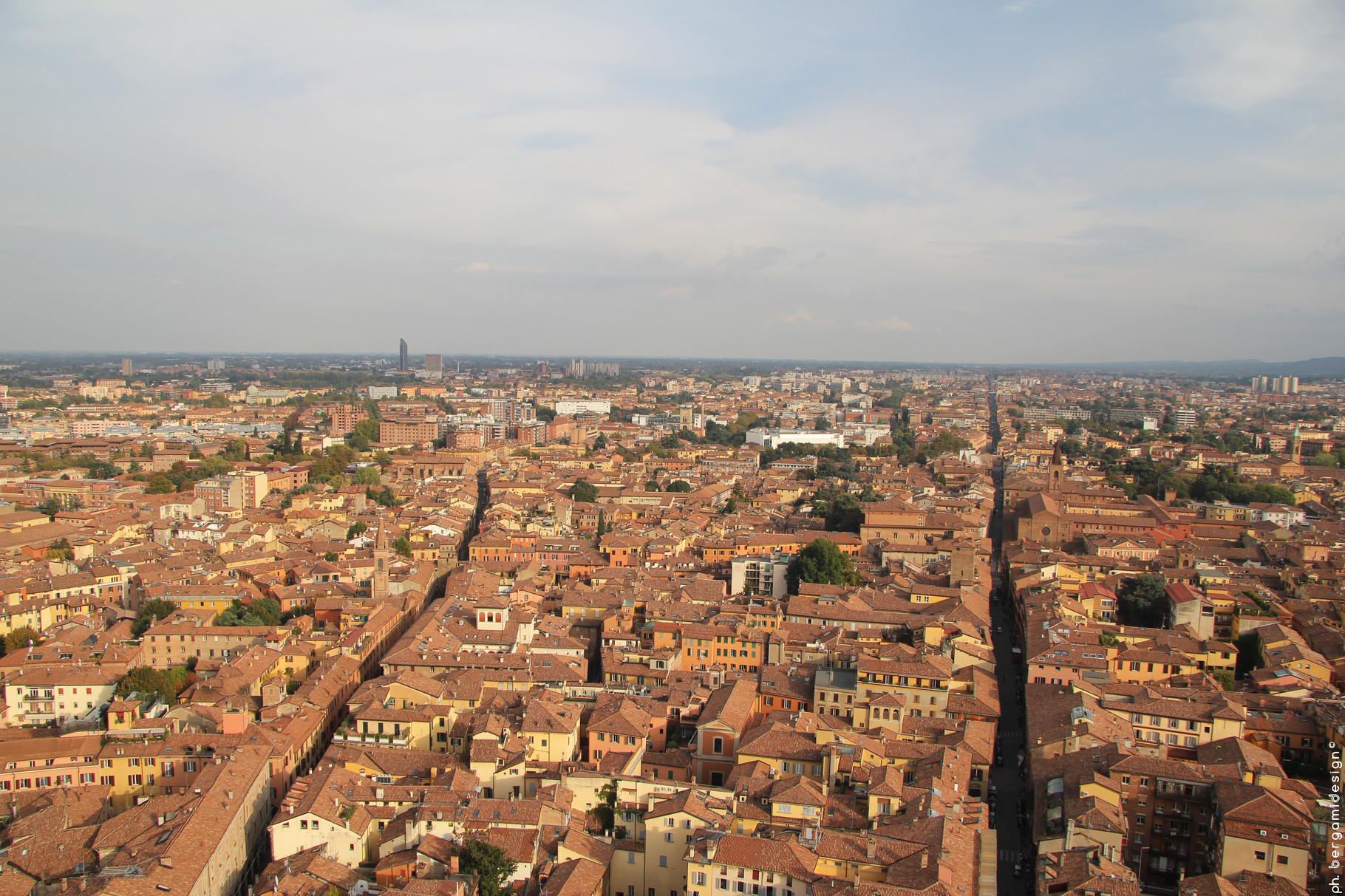 Via San Vitale e Strada Maggiore dalla Torre degli Asinelli