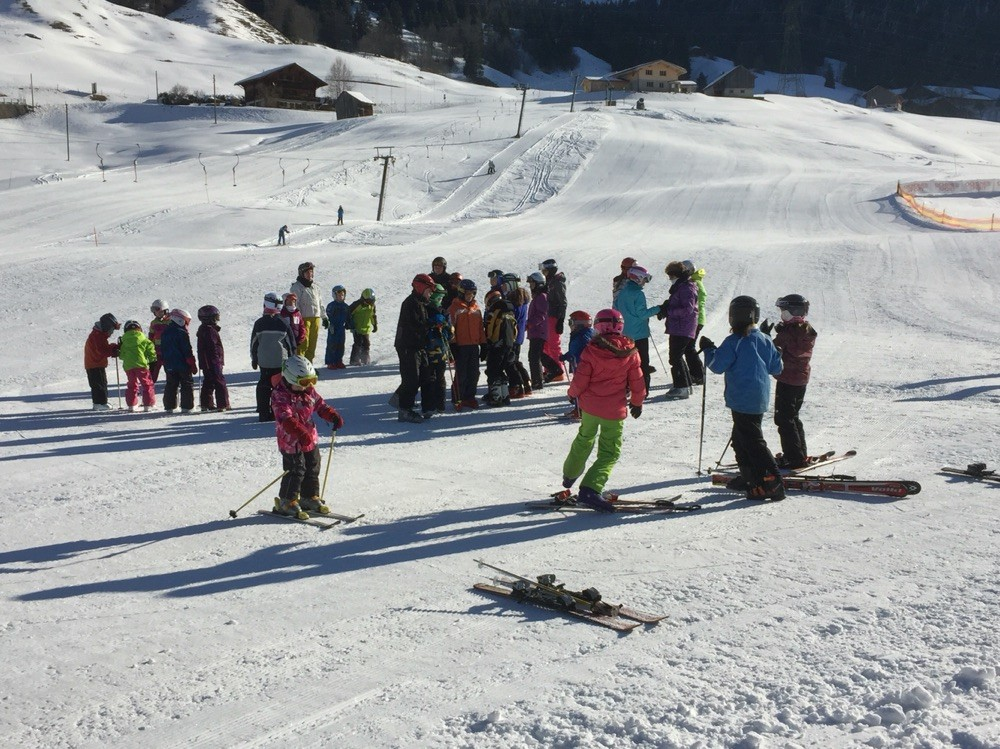 Sportag Schule Jaun 2016 Skifahrer