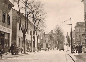 Ein Bild aus dem Jahr 1959 Köpenicker Str.  (Blickrichtung zum Berg)