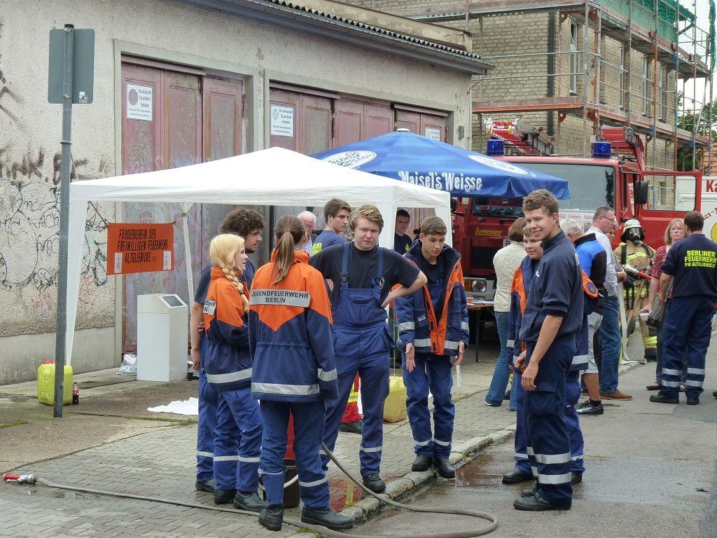Mitglieder der Feuerwehr Altglienicke