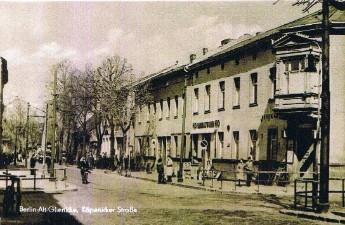 Um ca. 1950-1955 (gerade zu befand sich der HO Laden)