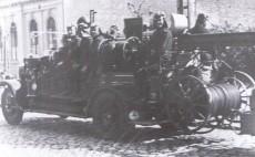 Löschfahrzeug 1930 (vor Gaststätte Ebel)
