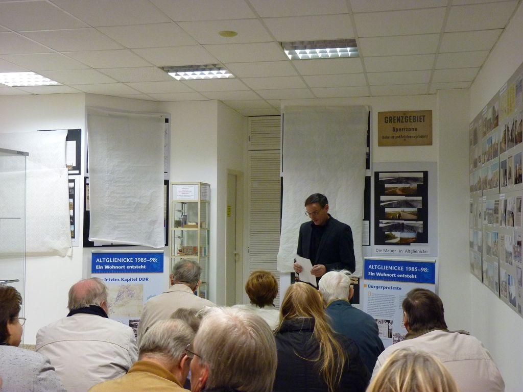 Joachim Schmidt eröffnet die Ausstellung