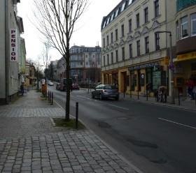 Heute : Köpenicker Str. (Blickrichtung zum Berg April 2010)