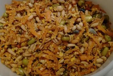 Eifutter mit Karotte und Quellfutter