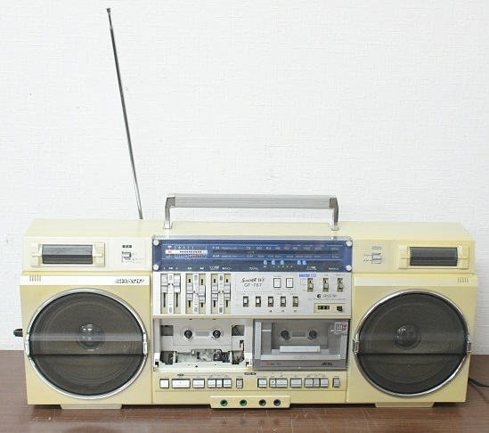 音楽機器 オーディオ 古いラジカセ 是非お任せください!!