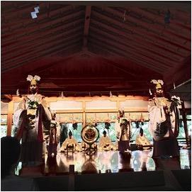 7月17日、天河大辨財天社例大祭の能舞台での巫女神楽奉納