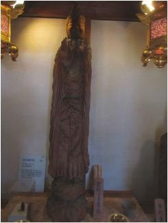 栃尾観音堂の円空仏(聖観音像)