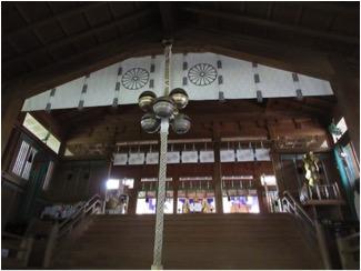 2018年7月17日、例大祭の日の天河大辨財天社拝殿前の五十鈴