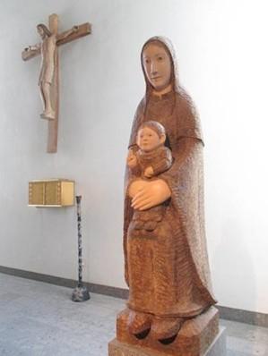 基督像と聖母子像