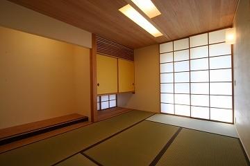 玄関脇に和室を設けた。ここは来客用の部屋。
