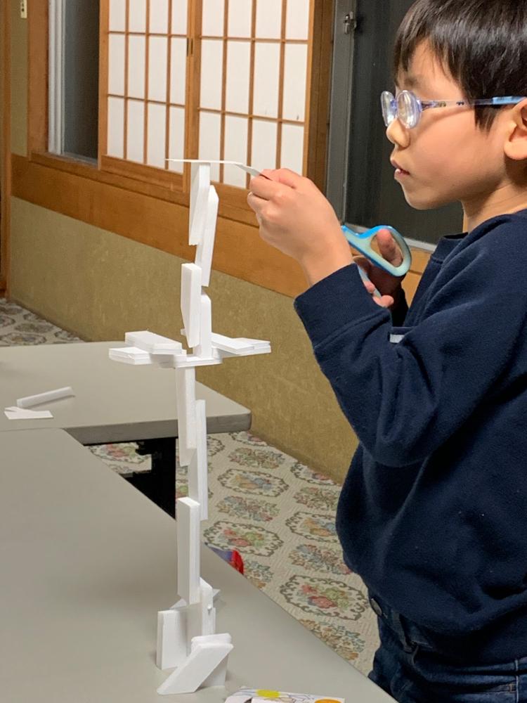 小学2年、工作(塔を作る)